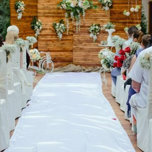 Аренда свадебной дорожки из белого атласа